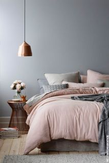 pink-and-grey-bedroom